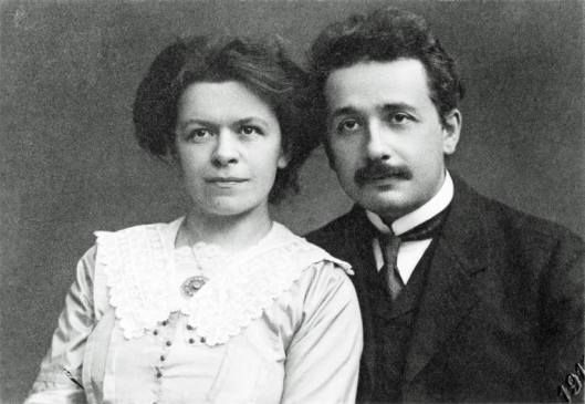 Einstein_and_his_wife_1