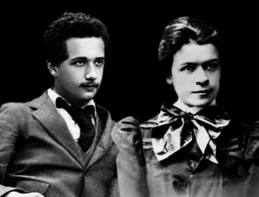Einstein_and_his_wife_2